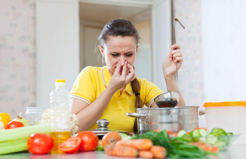 Cum scapi de mirosurile neplacute din bucatarie