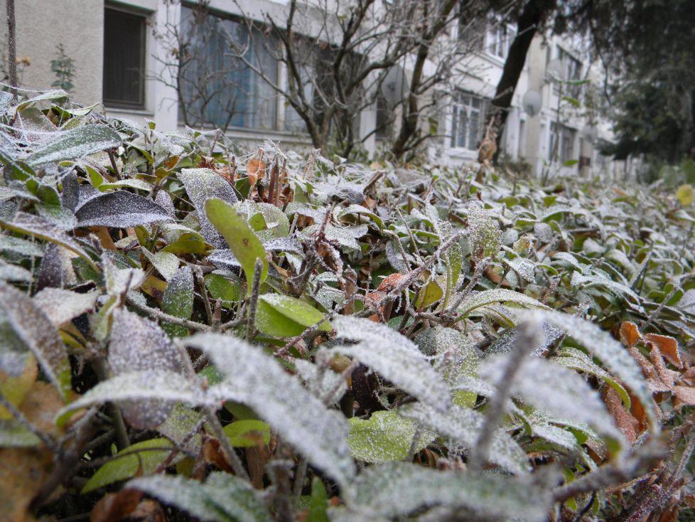 Valul de aer polar vine cu lapoviţă şi ninsori. Cât de frig se face