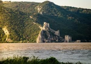Cetatea Golubac (Serbia) - vedere din Romania