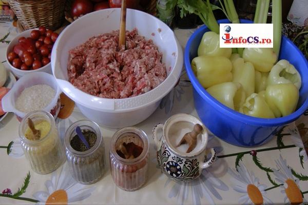 Sarmale, ardei şi roşii umplute cu carne de porc la început de toamnă VIDEO