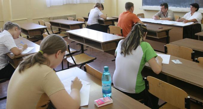 IMPORTANT! Cum ne inscriem copiii la liceu in acest an