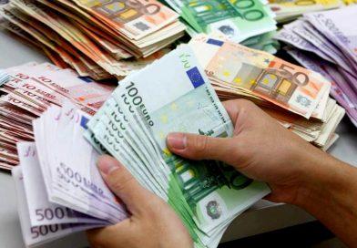 Ce se intampla cu banii!? Euro revine la 4,72 lei