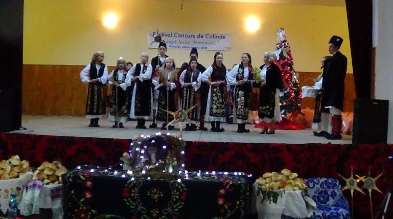 """Festivalul Concurs de Colinde """"Lângă ieslea minunată"""" de la Bozovici VIDEO"""