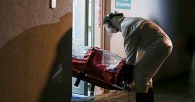 Încă 4 decese din cauza COVID-19! Toti cu alte boli grave
