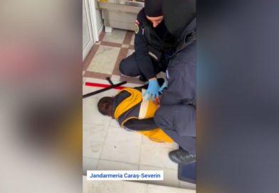 Saltat de jandarmii resiteni fiindca si-a amenintat mama cu toporul VIDEO