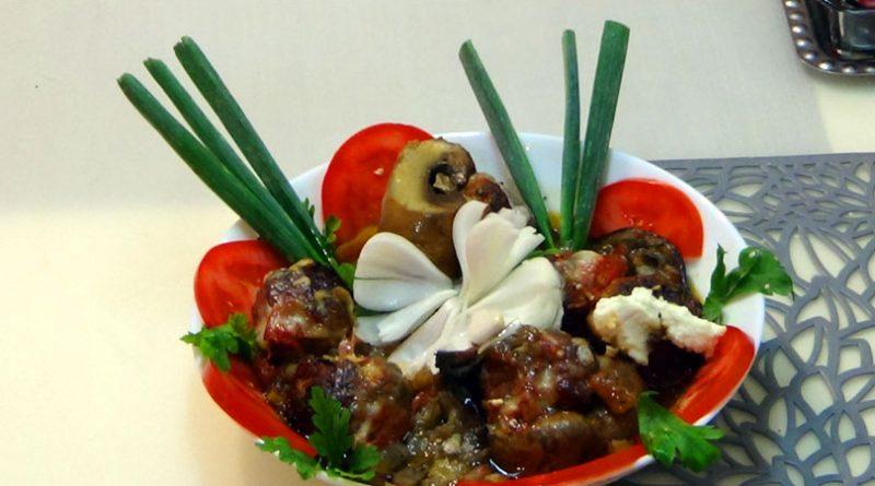 Vinete si ciuperci umplute cu parjoale din carne de porc VIDEO