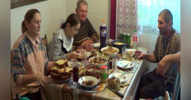 În Banatul Montan, sătenii au trecut la tăiatul porcilor inainte de Ignat VIDEO
