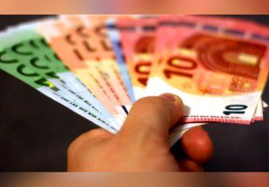 Euro a scăzut după două luni sub 4,92 lei – Ce facem cu banii?!