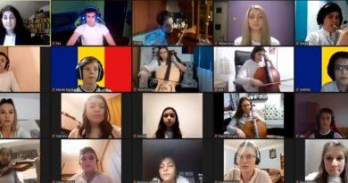 Elevii e la Liceul de Arta Sabin Pauta sarbatoresc Ziua Nationala original VIDEO