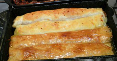 Plăcinta românească cu mere, dovleac şi foi de plăcintă din comerț VIDEO