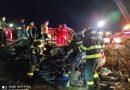 O familie din Slatina Timiș si-a pierdut viața aseară sub un autocamion pe DN6 VIDEO
