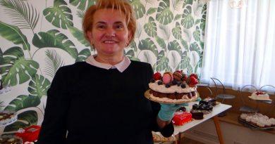 Expodulce de 8 Martie, cu prăjiturile copilăriei în cea mai veche cofetărie din cartierul Lunca Bârzavei din Reșița VIDEO